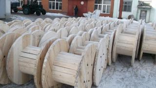 Cable drums, pallets