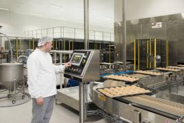 Workers in manufacturing Lantmannen Unibake (Poland)